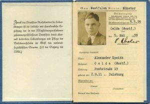 """Spielerpass von Alexander Speith aus dem jahr 1939. Damals dienste der Fußball noch """"... """" Weitere Pässe und interessante Dokumente finden sie im Menü """"Dokumente"""""""